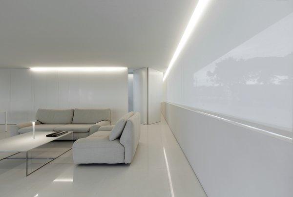 Photo 20 of Breeze House modern home