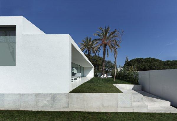 Photo 4 of Breeze House modern home