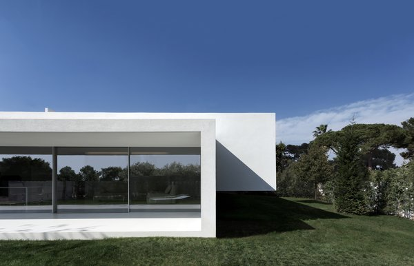 Photo 9 of Breeze House modern home