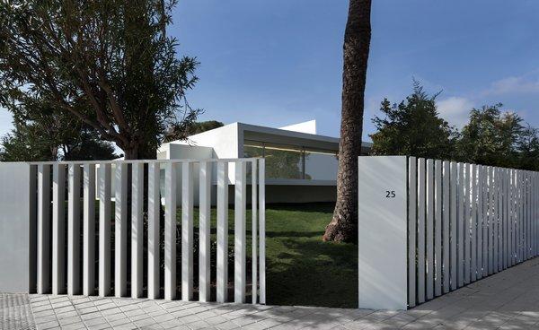 Photo 11 of Breeze House modern home