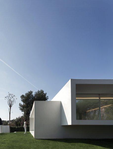 Photo 8 of Breeze House modern home