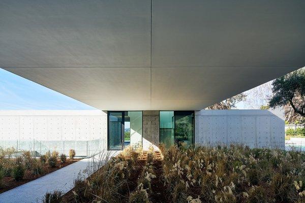 Photo 4 of OZ Residence modern home
