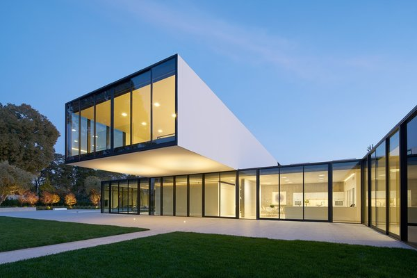 Photo 3 of OZ Residence modern home