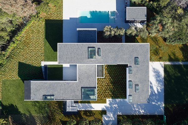 Photo 2 of OZ Residence modern home