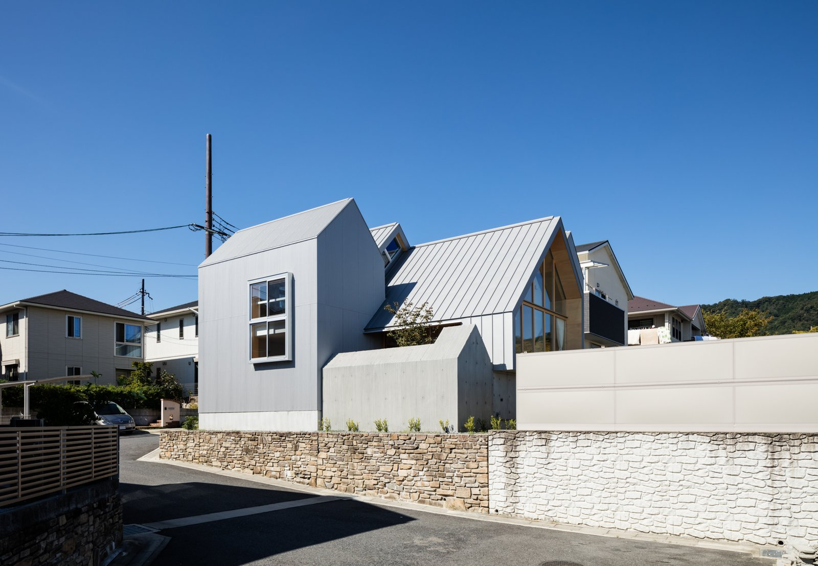 Newtown House by Leibal