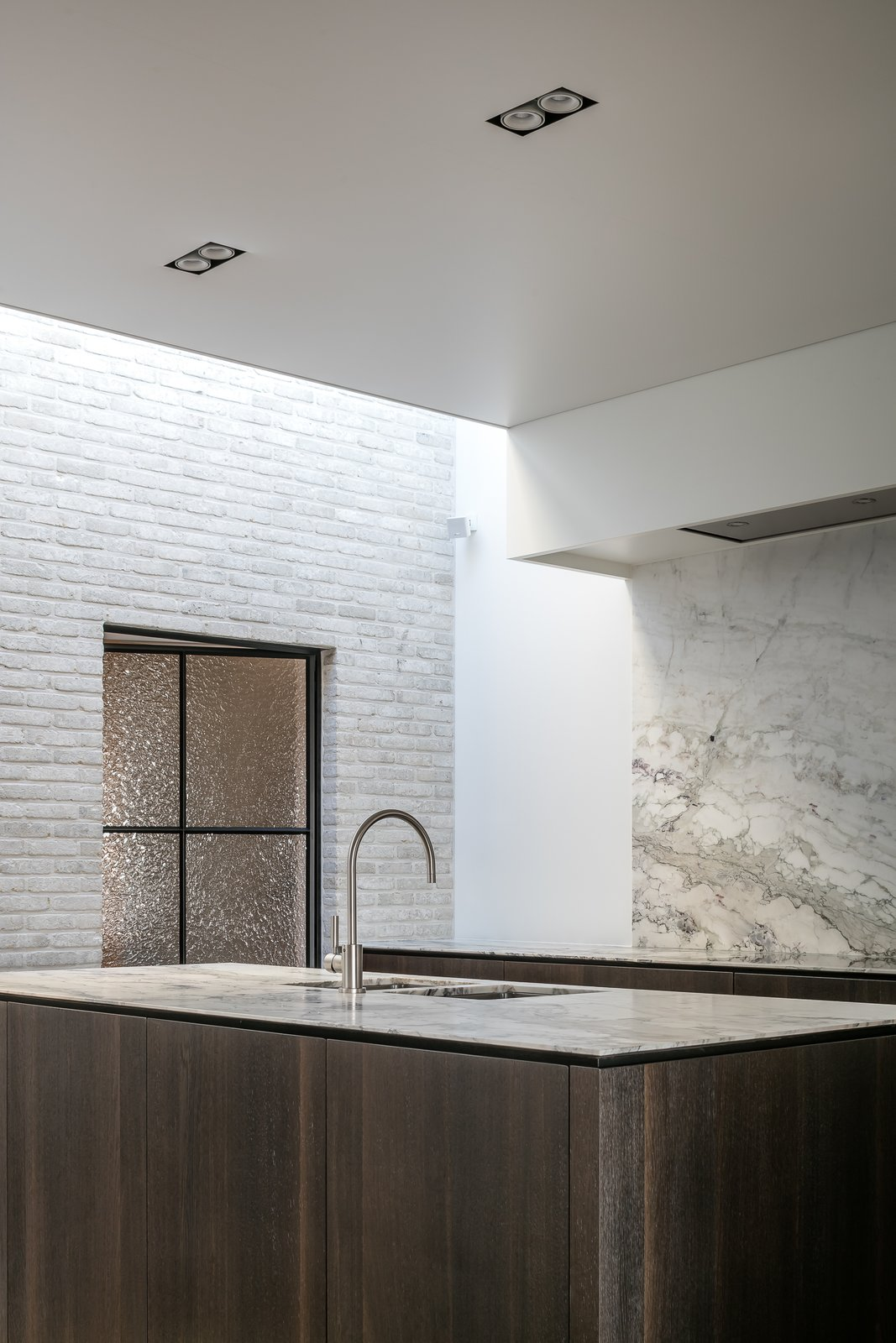 Tagged: Kitchen, Marble Counter, Marble Backsplashe, Ceiling Lighting, Recessed Lighting, and Undermount Sink. Circu House by Leibal