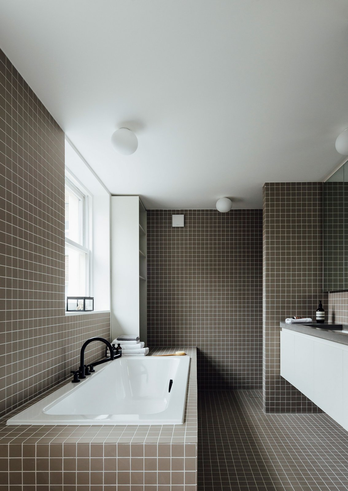 Tagged: Bath Room, Drop In Tub, and Tile Counter.  Stanhope Gardens by Leibal