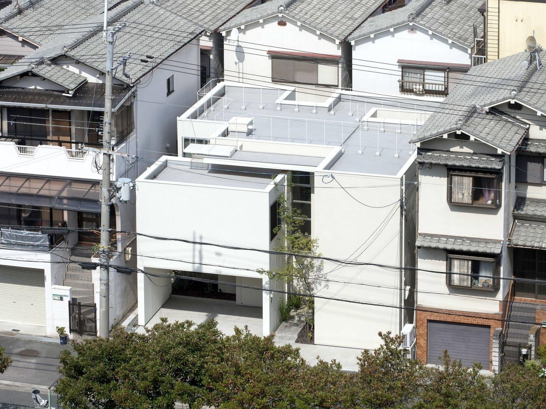 House in Matsuyacho by Leibal