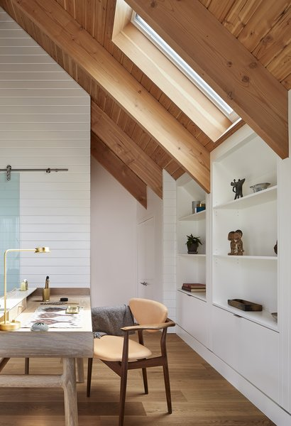 A 106 Harold Desk by Luca Nichetto sits in the study.