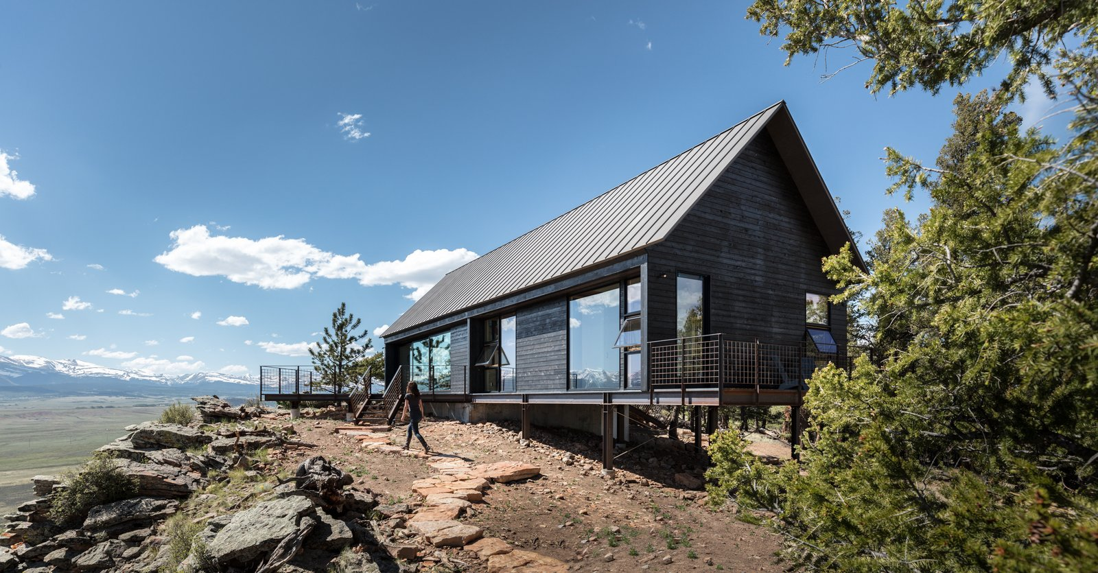 Tagged: Outdoor.  Big Cabin | Little Cabin by Renée del Gaudio Architecture
