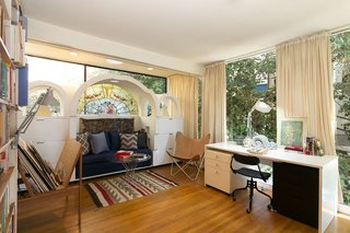 An Amazing Tree-Covered Glass House For Sale in the Berkeley Hills - Photo 18 of 20 -