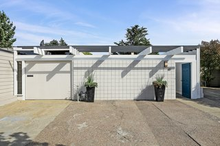 Check Out 2 Beautifully Renovated Eichlers For Sale in San Francisco - Photo 13 of 22 - Well-preserved through the decades, 49 Cameo Way is a stunning example of a near-mint condition Eichler in Diamond Heights.