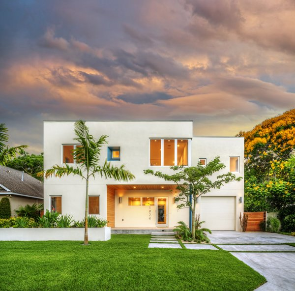 Photo  of Bougainvillea House modern home
