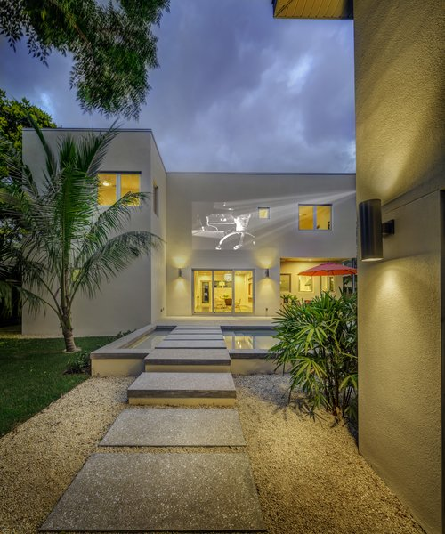 Photo 9 of Bougainvillea House modern home