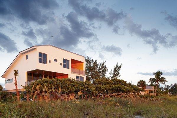 Photo 4 of Seagrape House modern home