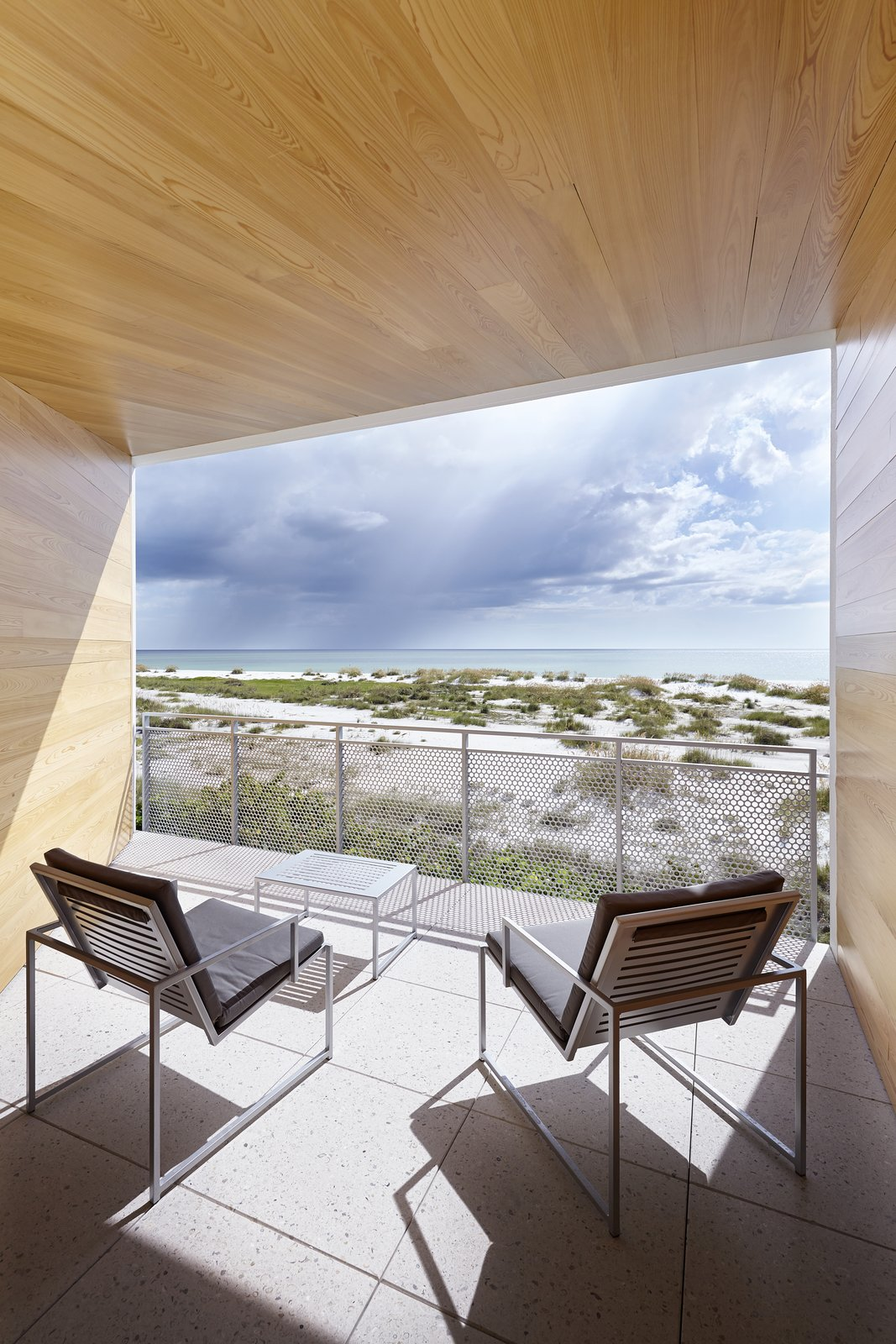Seagrape House by Traction Architecture