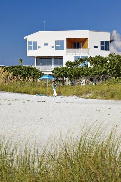 Photo 5 of Seagrape House modern home