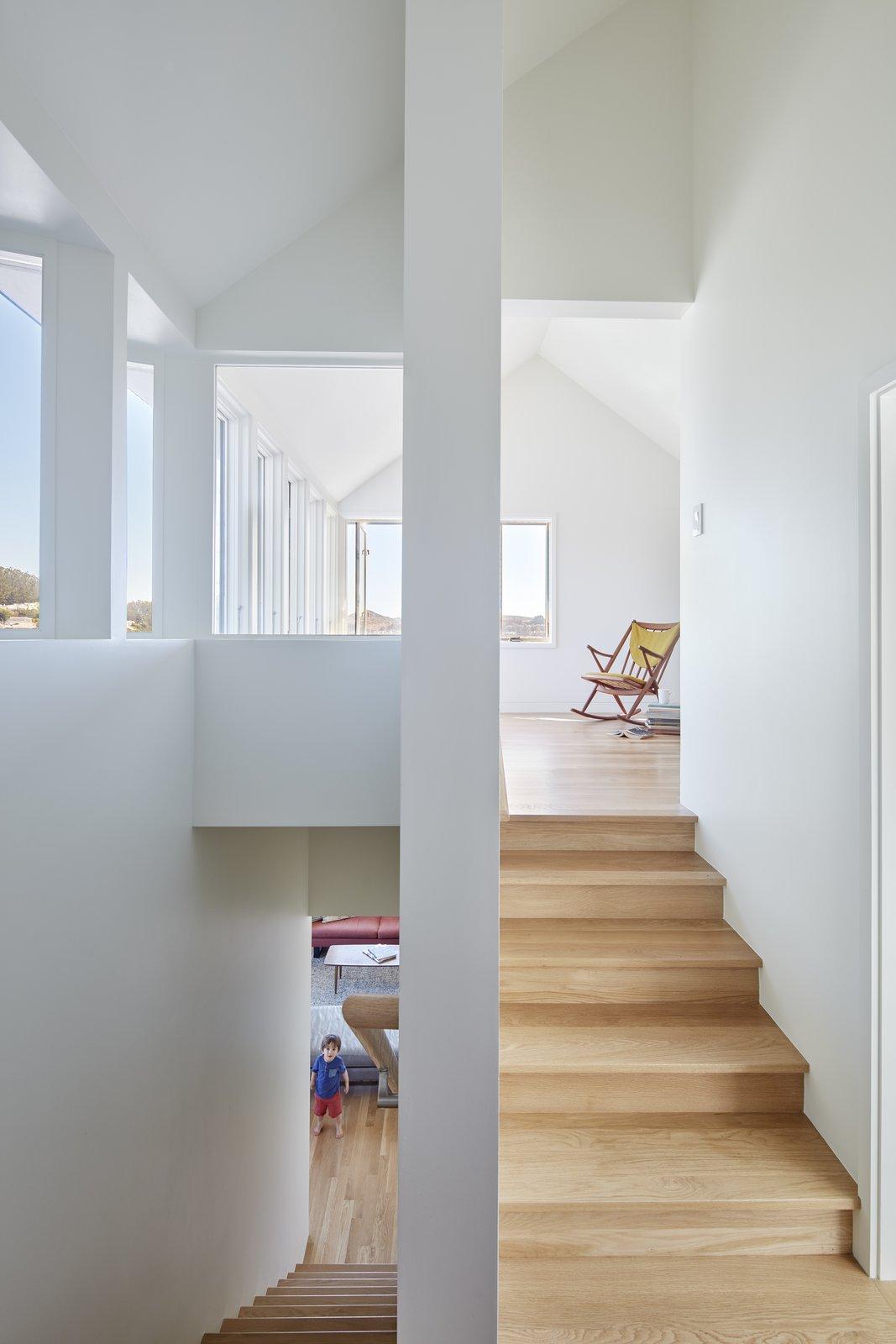 Split Level @ SAWtooth Ribbon Window  A-to-Z House by Spiegel Aihara Workshop