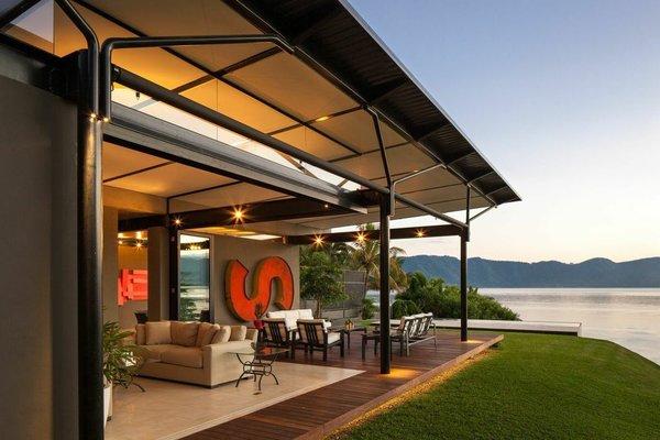 Photo  of PLK Lake House modern home