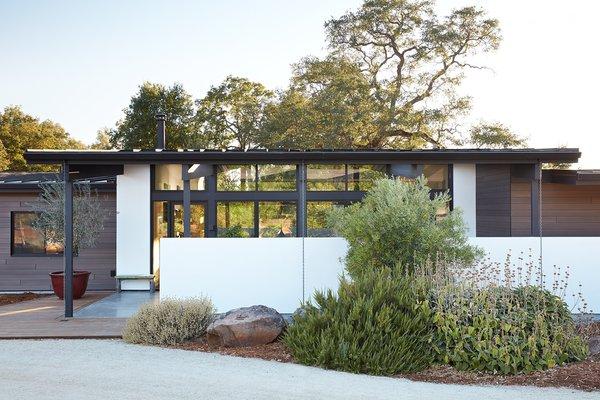 Sacramento Modern Residence by Klopf Architecture Photo  of Sacramento Modern Residence modern home