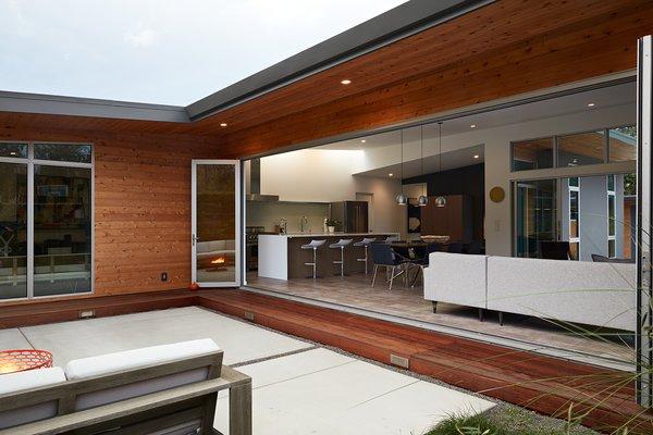 Photo  of San Carlos Midcentury Modern Remodel modern home