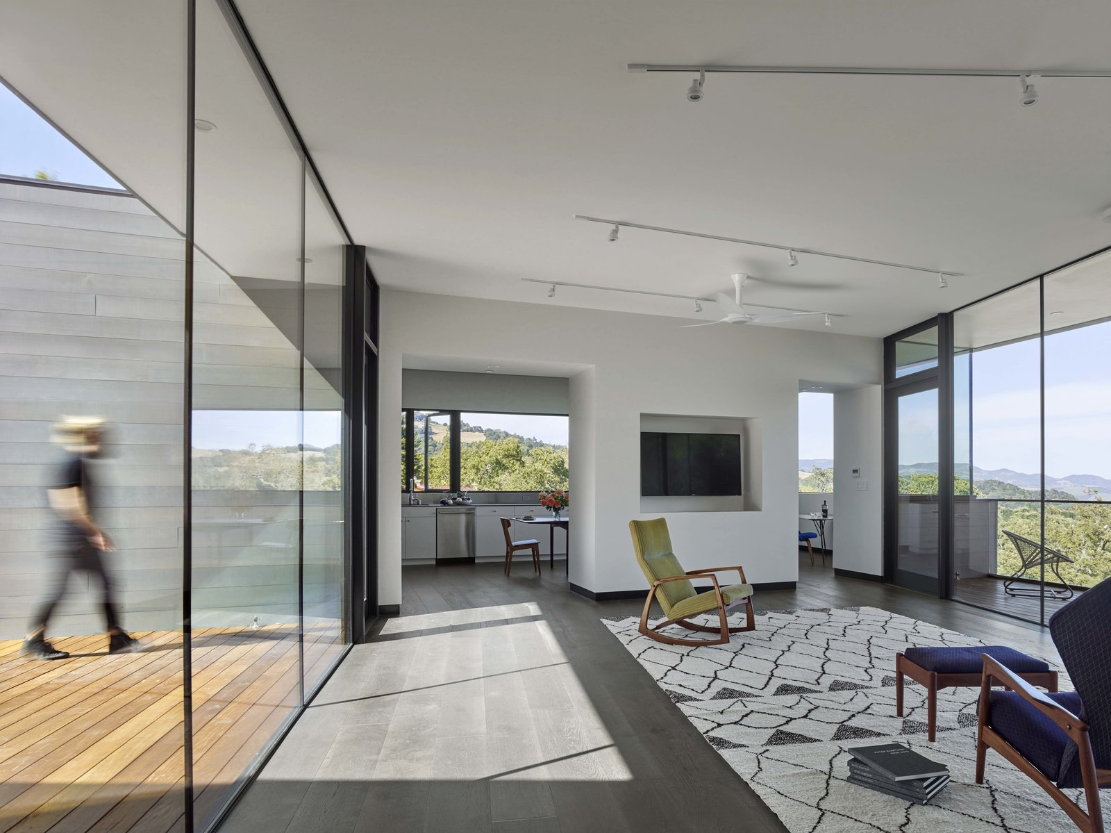 Living Room Box on the Rock by Schwartz and Architecture