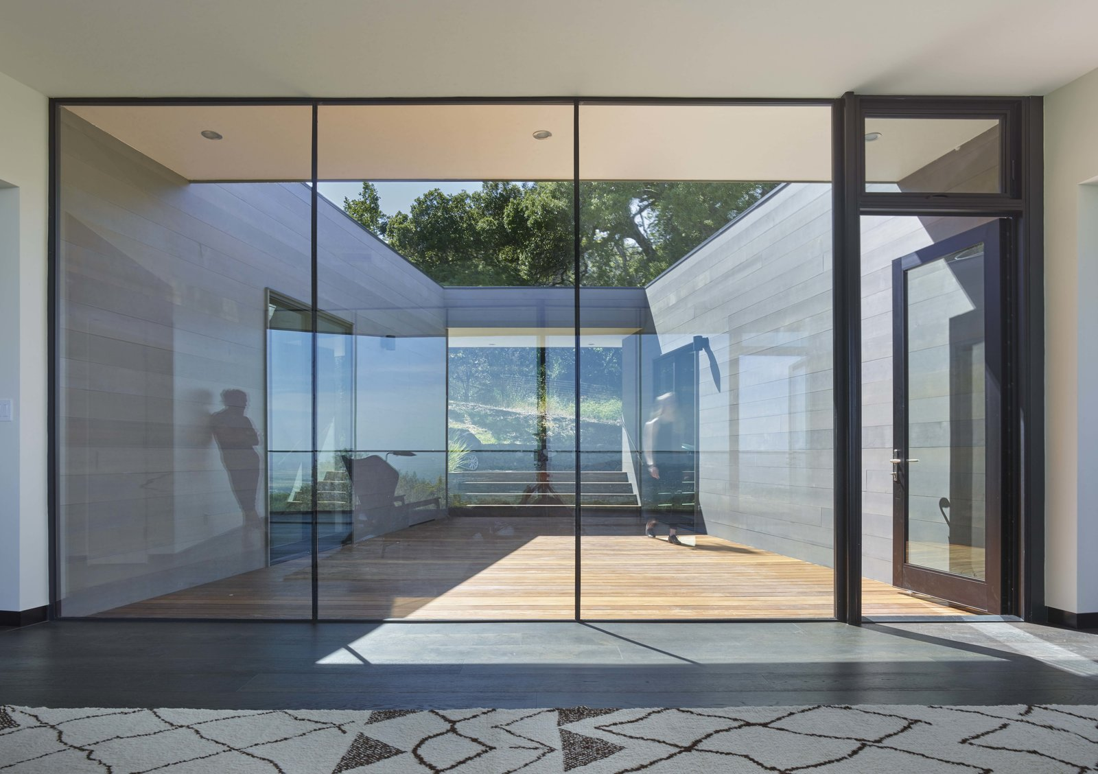 Looking back towards entry through courtyard.  Box on the Rock by Schwartz and Architecture