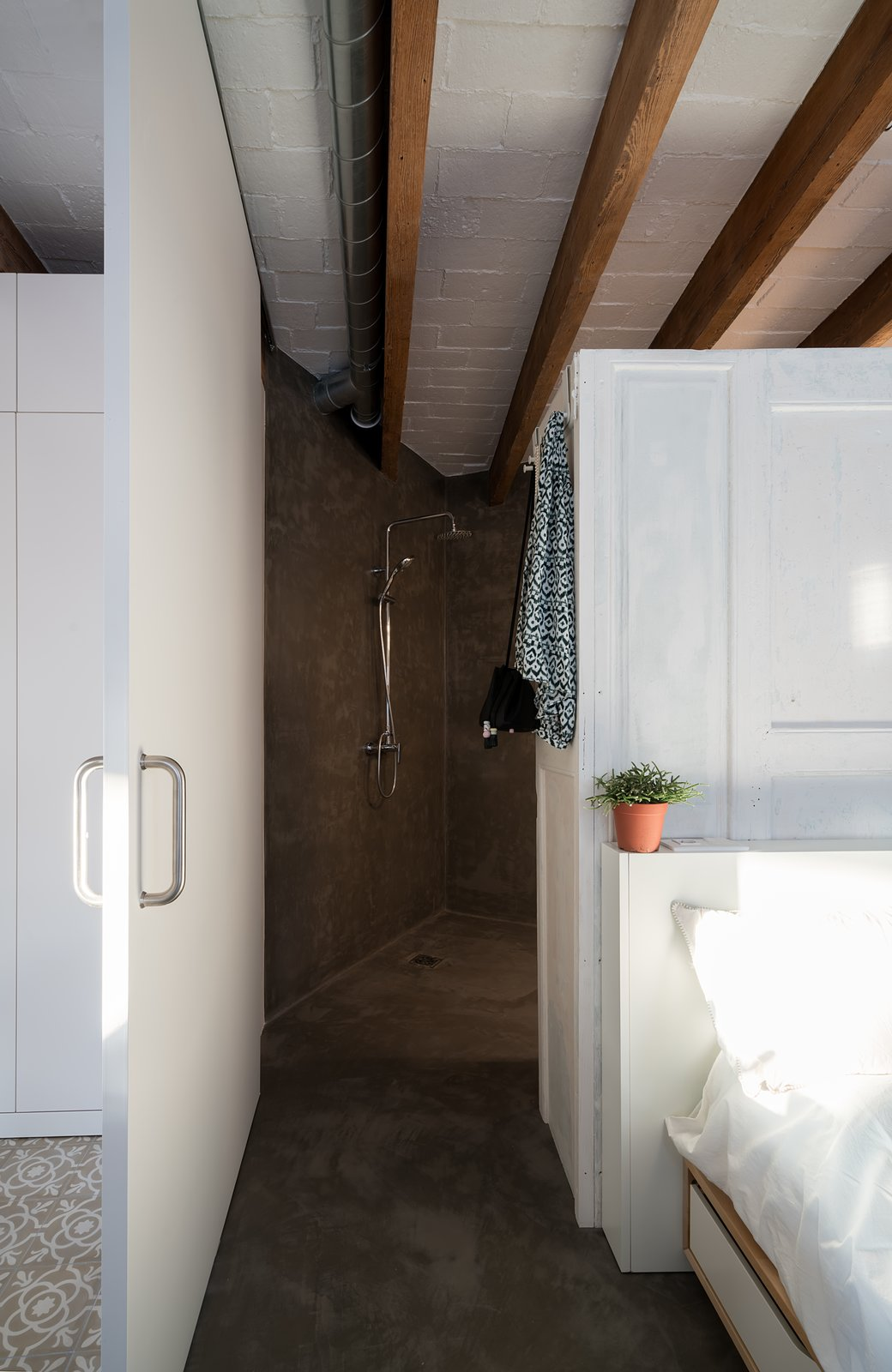 Bathroom  Old Town Refurbishment by Habitan Architects