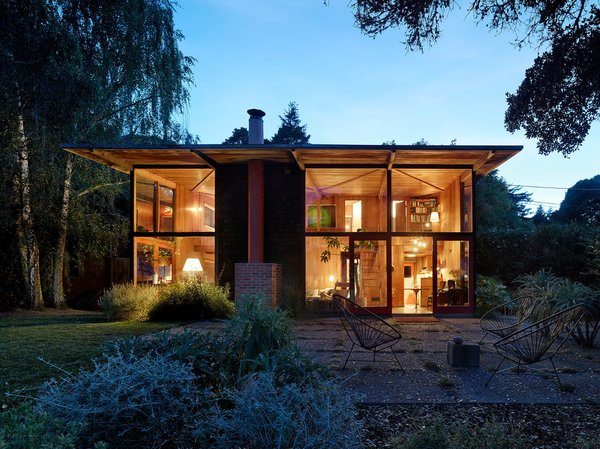 Photography by Matthew Millman Photo  of The Emmons House modern home