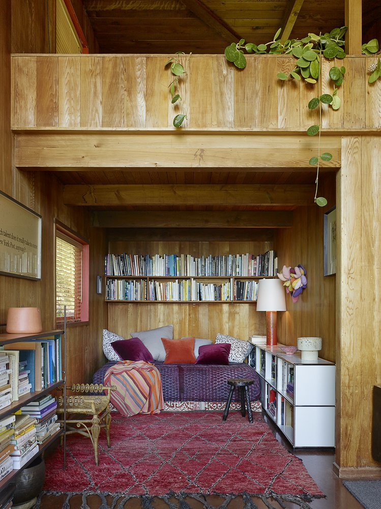Photography by Matthew Millman  The Emmons House by The Office of Charles de Lisle