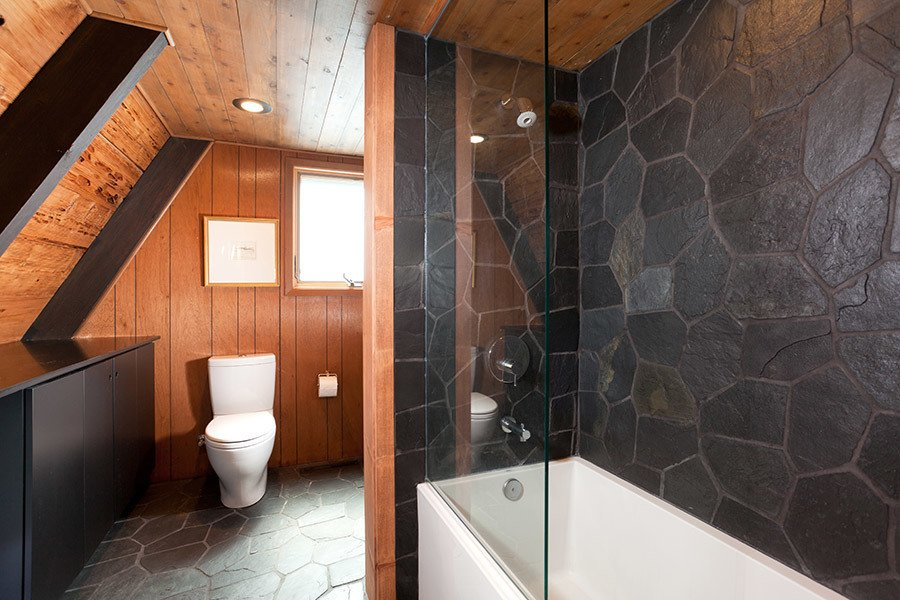 Bathroom Tagged: Trees, Front Yard, Small, Wood, Table, Bar, Carpet, Bed, Engineered Quartz, Slate, Range, One Piece, Ceramic Tile, Sofa, Chair, Coffee Tables, Floor, and Bath.  Best Bath Engineered Quartz Carpet Photos from Homewood