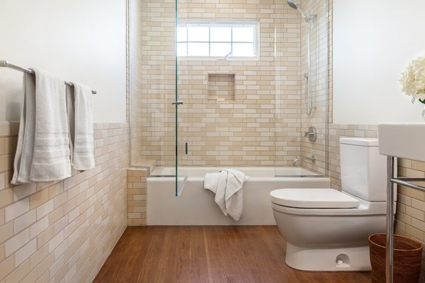 Modern home with bath room. Guest Photo  of 7th Avenue