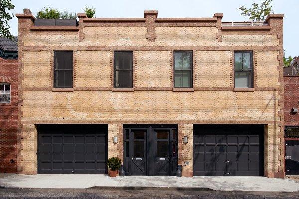 Photo 2 of Brooklyn Heights Carriage House modern home