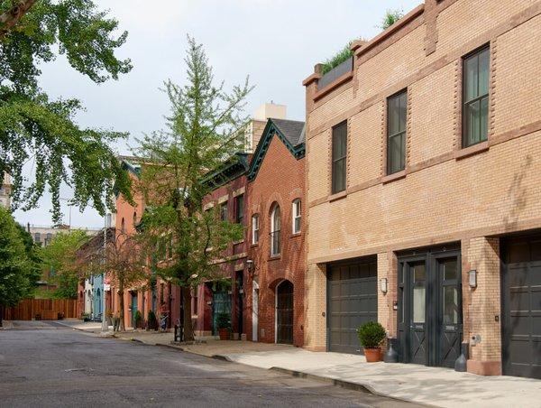 Photo 3 of Brooklyn Heights Carriage House modern home