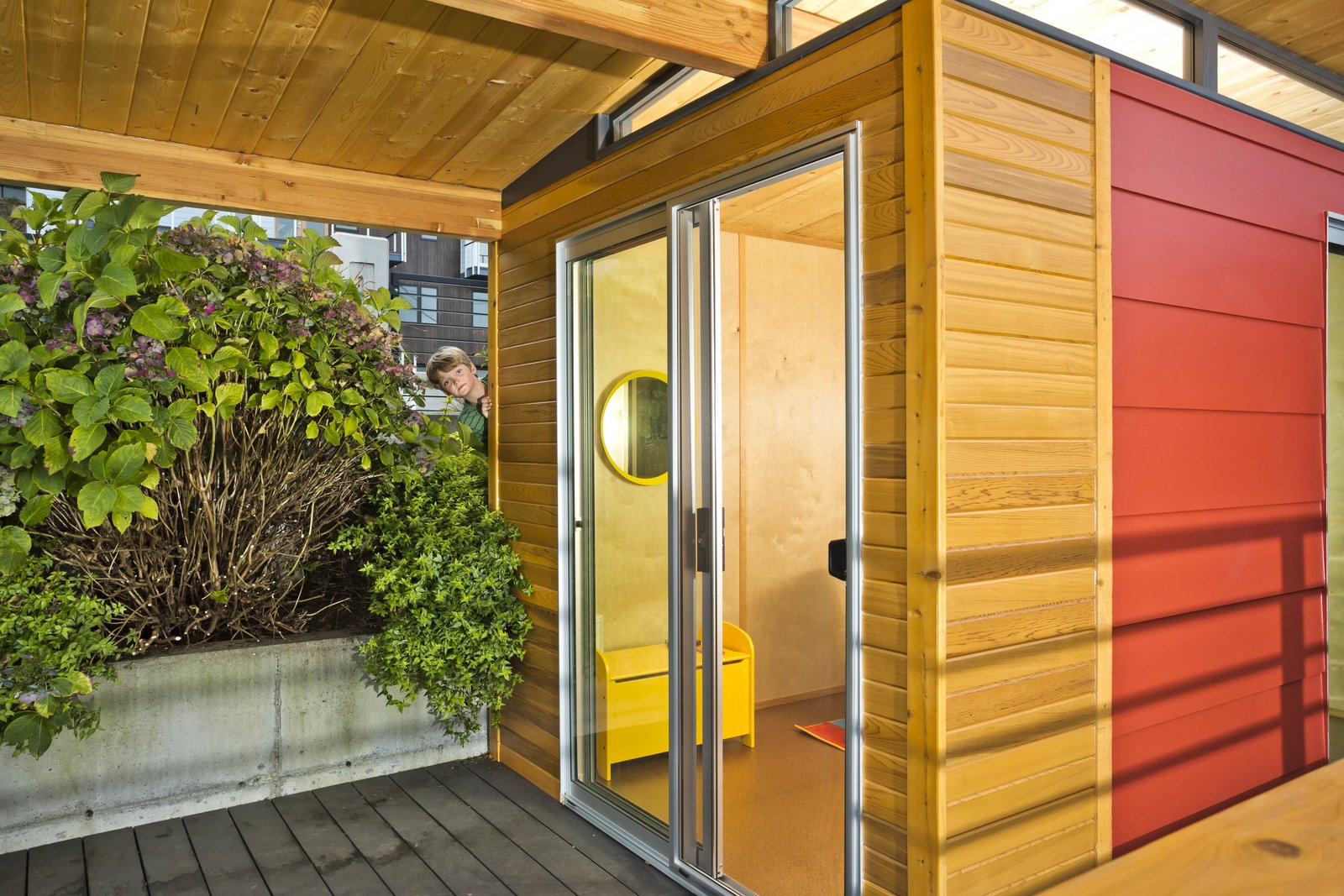 Small children not included in the price of a Modern-Shed!  Modern-Shed Office Studio by Modern-Shed, Inc