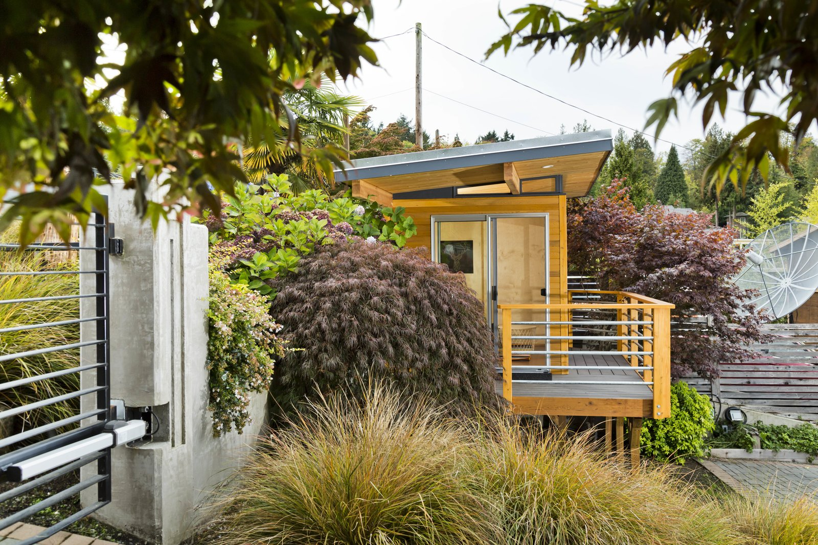 Modern-Shed Office Studio by Modern-Shed, Inc