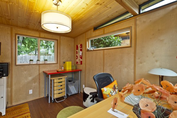 Photo  of Modern-Shed Stylish Portland Home Office modern home
