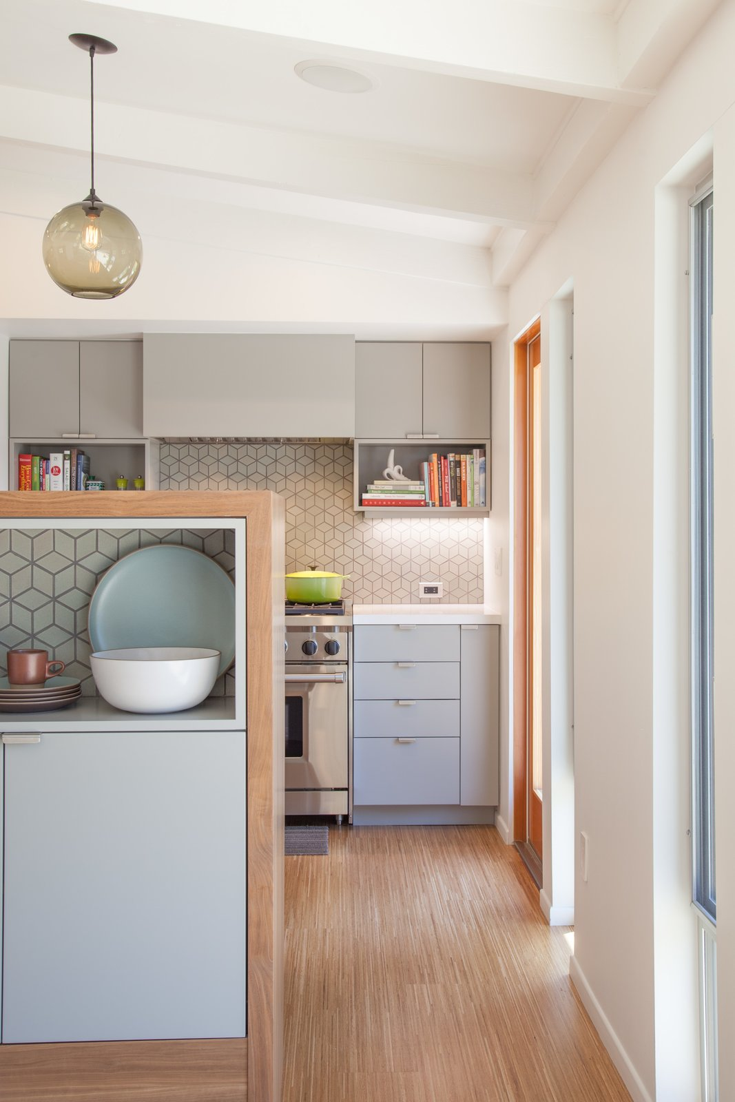 Photo 4 of 5 in Pinterest Inspired Home Includes Niche Modern Kitchen Pendant Lights