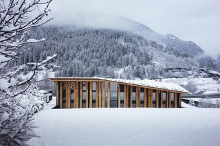 Architect Spotlight: 12 Works by Japanese Architect Kengo Kuma - Photo 9 of 12 - The wide and grand roof of the structure is composed of oak planks that are designed to harmonize with the terrain.