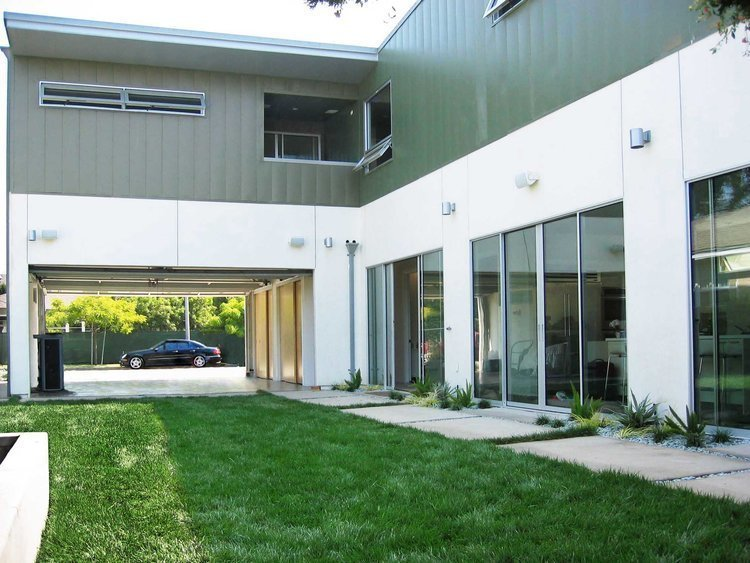 Palisades Prefab  Photo 10 of 15 in Eco-Friendly Prefabs and the Modern Mobile Home: Spotlight on Jennifer Siegal