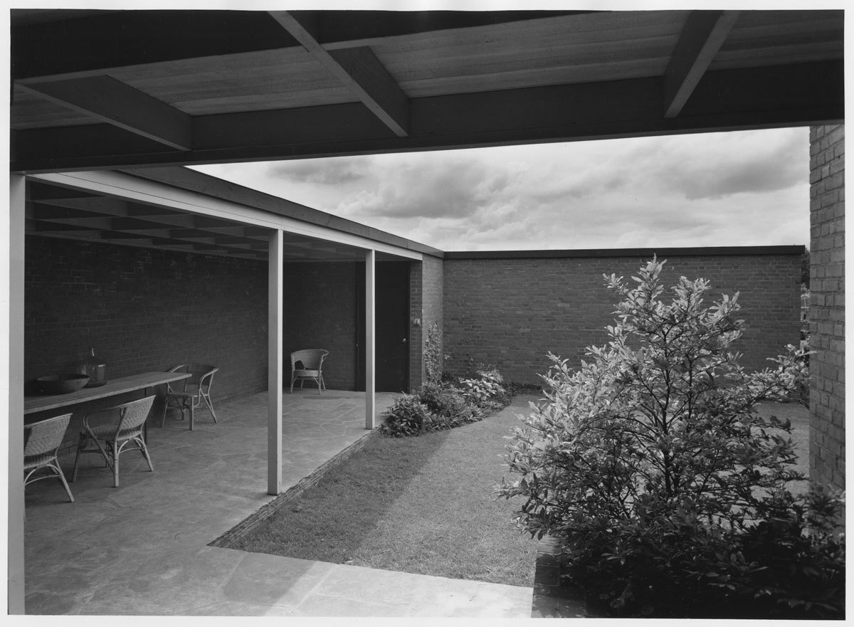 Van Buren courtyard  Photo 11 of 15 in Spotlight on John Yeon, the Father of Northwest Regional Architecture