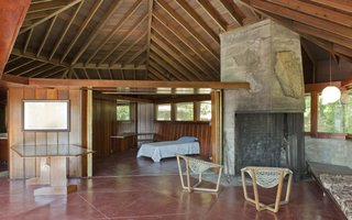 A Home on a Private Island That's Based on a Frank Lloyd Wright Design Is on the Market For $14.9M - Photo 9 of 14 - Interior of the guest house.