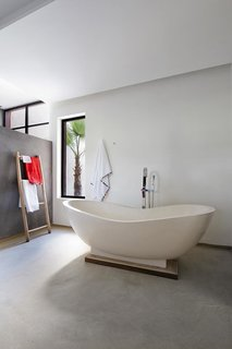 Stay in a Chic and Modern Moroccan Villa Near the Medina of Marrakech - Photo 9 of 11 -