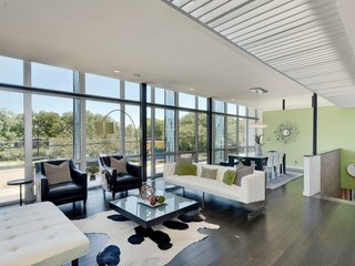 Feel at Home While Exploring Austin at One of These Modern Short-Term Rentals - Photo 7 of 17 - The bright and airy contemporary home sleeps eight, so bring your friends.