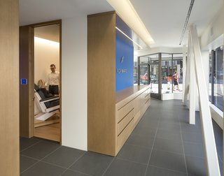 A Healthcare Start-Up Combines Modern Design With Top-Notch Technology and Care - Photo 8 of 11 -