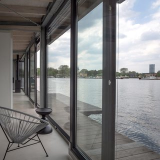 Stay In A Modern Houseboat In Berlin With Floor To Ceiling Windows   Photo