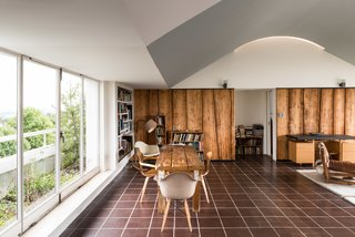 Modernist Architect Berthold Lubetkin's Former London Penthouse Is For Sale - Photo 5 of 8 -