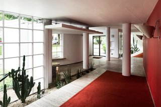 Modernist Architect Berthold Lubetkin's Former London Penthouse Is For Sale - Photo 8 of 8 -