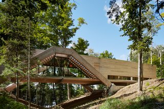 A Unique Home in the Canadian Forest That Doubles As a Bridge - Photo 11 of 11 -