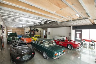 This Austin Home Was Designed to Showcase a Vintage Car Collection - Photo 4 of 20 -